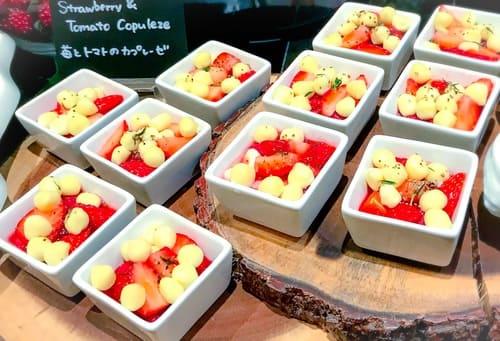 ザ・テラス 苺とトマトのカプレーゼ