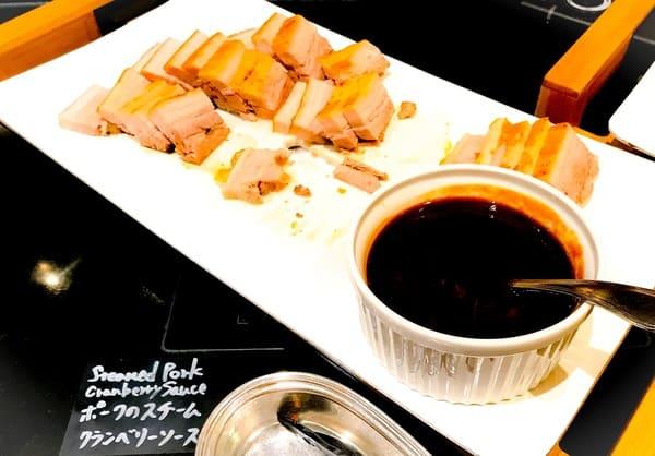 ウェスティンホテル東京 ザ・テラス ディナーブッフェのポークのスチーム