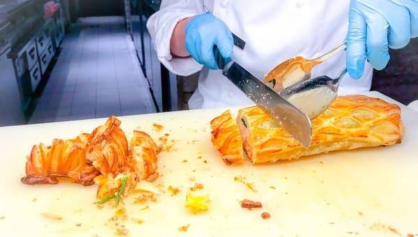 ウェスティンホテル東京 ザ・テラス ディナーブッフェのサーモンのパイ包み