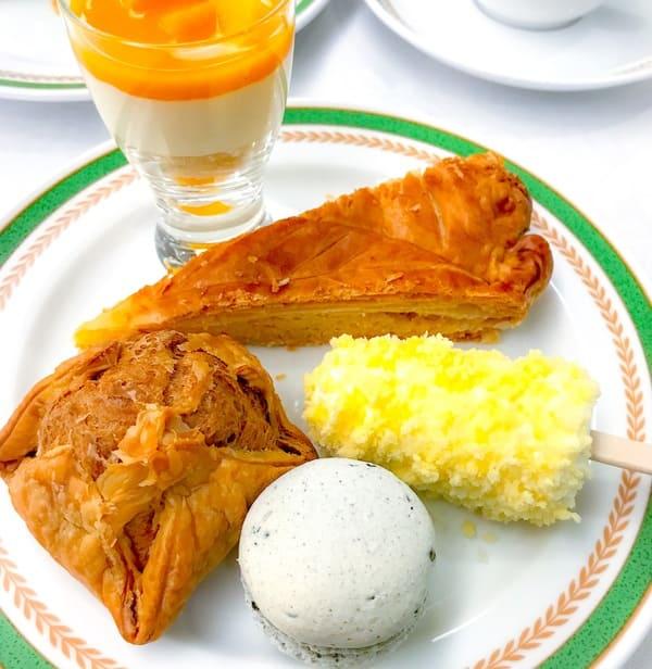 川崎日航ホテル グラスショコラ、ガレット・デ・ロワ、熱々パイシュー、カマンベール風チーズケーキ、ごまマカロン
