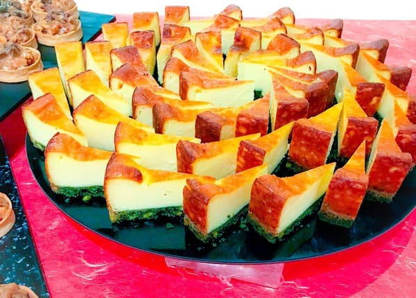 川崎日航ホテル プレミアムスイーツブッフェ ベイクドチーズケーキ