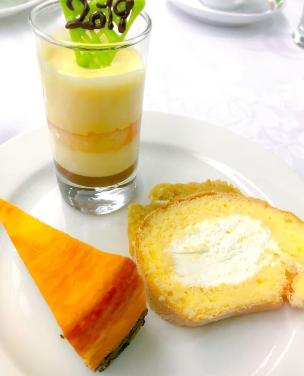 おかわりした「柚子のティラミス、ベイクドチーズケーキ、川崎栗のロールケーキ」