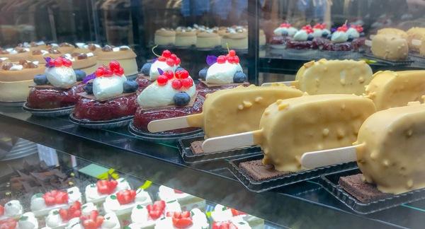 ボンボヌールのケーキ モンブラン、ババヴァンルージュ、Bカフェノワゼット