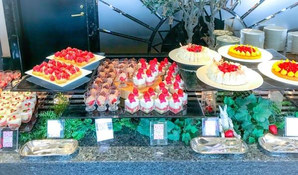 横浜ベイシェラトン ベイ・ビュー「ストロベリースイーツブッフェ〜Strawberry Garden〜」