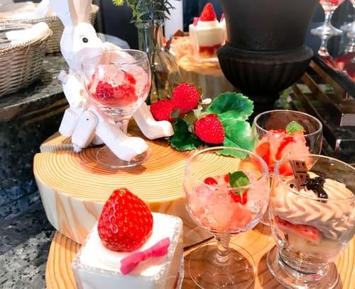 横浜ベイシェラトン ベイ・ビュー「ストロベリースイーツブッフェ〜Strawberry Garden〜」ディスプレイの写真