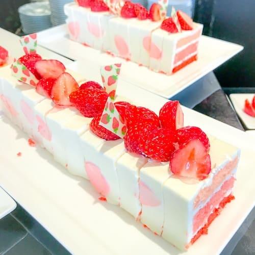 横浜シェラトン「ベイ・ビュー」ストロベリーショートケーキ