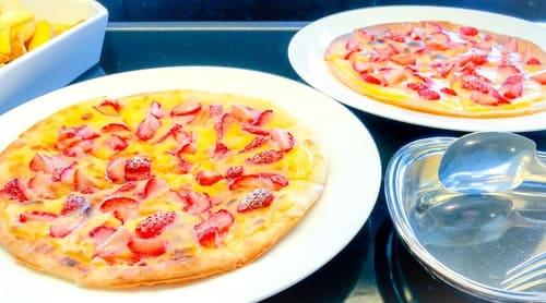 いちごとマスカルポーネのピザ