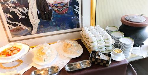 川崎日航ホテル 夜間飛行 ブッフェ台 ピクルス、サンドイッチ、月替わりのスープ(クラムチャウダー)
