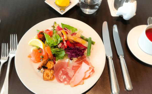 フレンチキッチン ランチブッフェ 冷菜のお皿 写真 ブログ