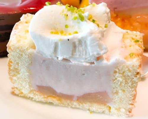 フレンチキッチン ランチブッフェ ケーキ シャルロットピーチ