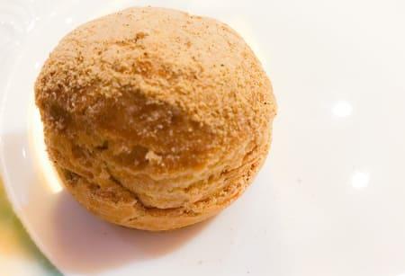 ザ・テラス ストロベリーデザートブッフェ 【アトリエ】ほうじ茶ときな粉のシュークリーム