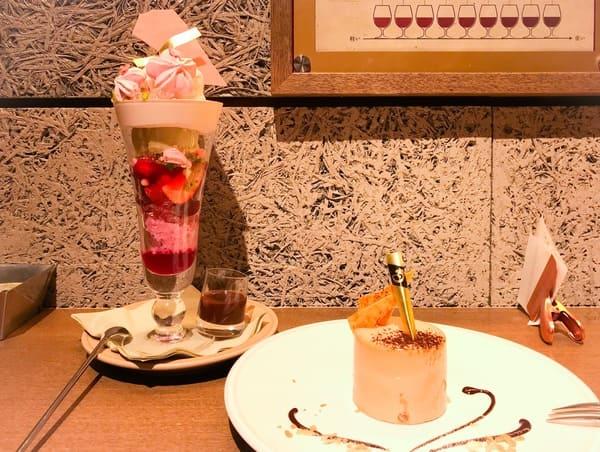 パティスリー&カフェデリーモ パフェとケーキの写真