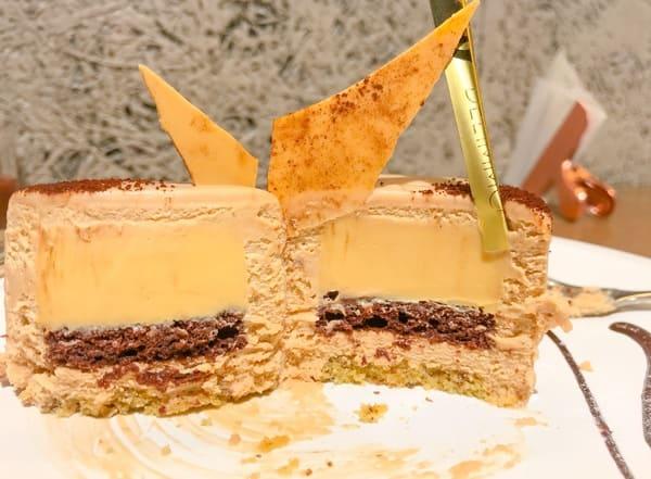 ミッドタウン日比谷 パティスリー&カフェデリーモ ケーキ「デリーモ」の断面写真と感想ブログ
