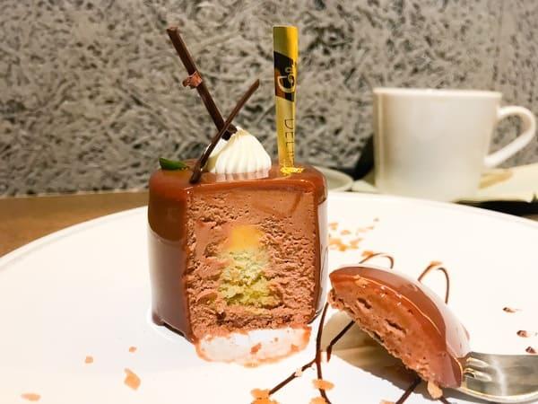 パティスリー&カフェデリーモ ミッドタウン日比谷限定ケーキ ヒビヤの写真と感想