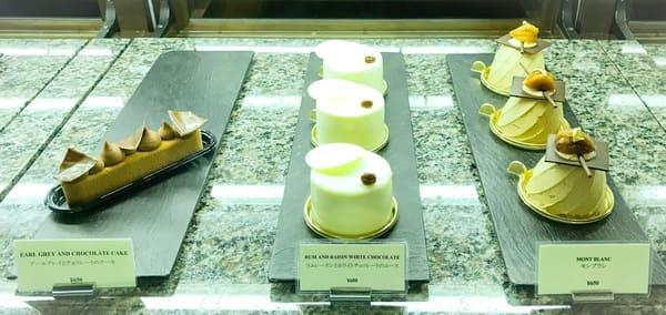 パークハイアット東京 ペストリーブティック アールグレイとチョコレートのケーキ・ラムレーズンとホワイトチョコレートのムース・モンブラン 写真 ブログ
