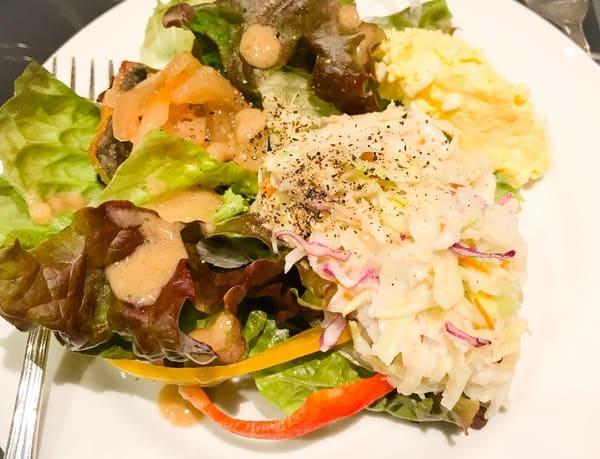 ソマーハウス ナイトタイムデザートブッフェでいただいた軽食のお皿 感想レビューブログ