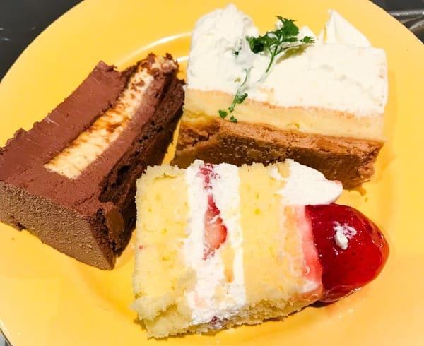 横浜ベイホテル東急 ソマーハウス いちごジャーニー グランショコラ、フロマージュクリュ、ショートケーキ