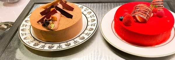 ソマーハウス ナイトタイム・デザートブッフェのホールケーキの写真
