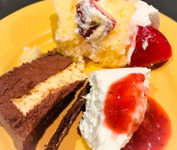 ソマーハウス デザートブッフェ ショートケーキ、グランショコラ、クレームダンジュ