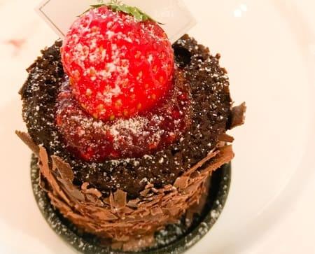 ザ・テラス ストロベリーデザートブッフェ ストロベリーチョコレートケーキ 感想ブログ