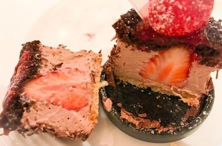 ザ・テラス ストロベリーデザートブッフェ ストロベリーチョコレートケーキの感想ブログ