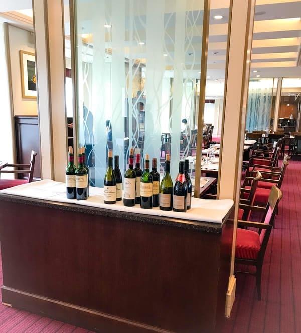 帝国ホテル東京 インペリアルバイキング サール ランチタイムの席の様子 ブログ