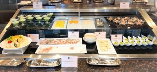 帝国ホテル東京 インペリアルバイキング サール 冷たい前菜ブッフェ台写真