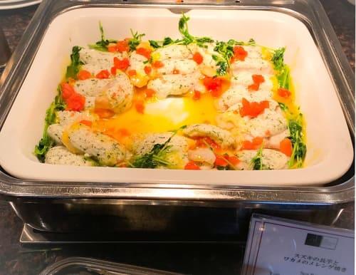 帝国ホテル東京 サール バイキングメニュー メカジキと長芋とワカメのメレンゲ焼き