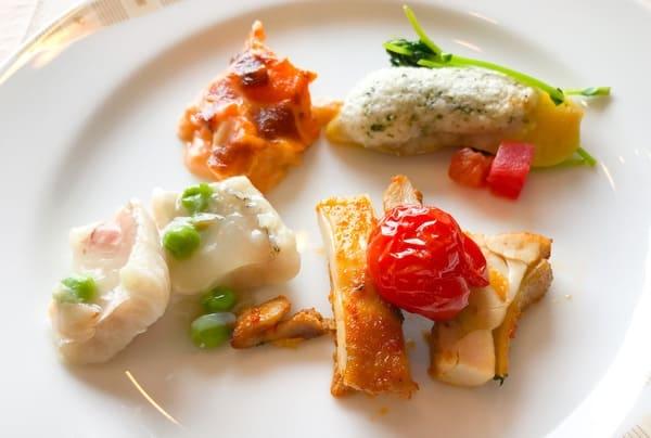 帝国ホテル東京 サール ランチビュッフェ 食べた温菜のお皿の写真と感想ブログ