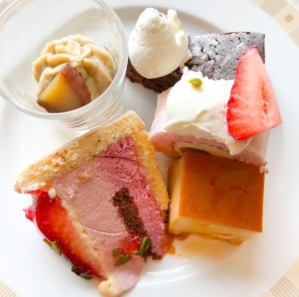 帝国ホテル インペリアルバイキングサール デザートのお皿