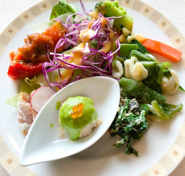 サール バイキング サラダと冷たい前菜系写真