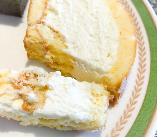 夜間飛行スイーツブッフェ今月は『川崎でとれたハチミツのロールケーキ』です。