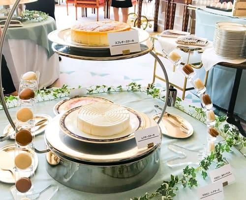 リーガロイヤルホテル東京 スイーツブッフェ チーズケーキ3種とマカロンのブッフェ台