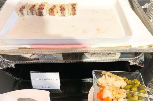 ホテルニューオータニ東京 スイーツブッフェ SATSUKI ローストビーフサンドウィッチ