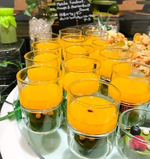 抹茶のフォンダンオレンジとパッションフルーツのソース*
