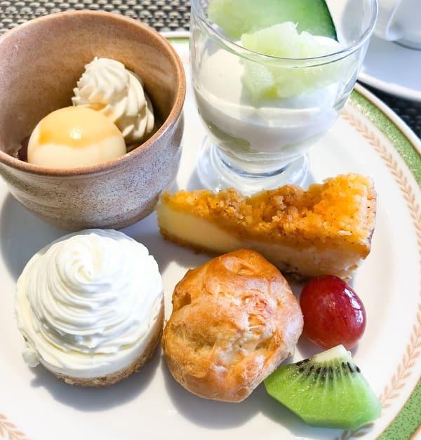 川崎日航ホテル 夜間飛行デザートブッフェで食べたおかわりのお皿
