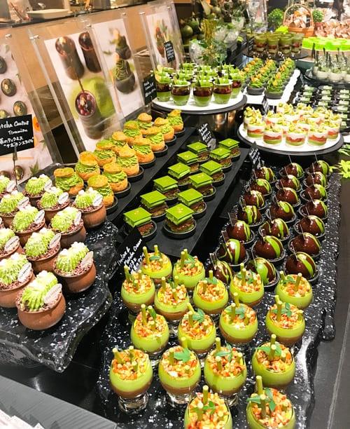 先月(5月)と今月、2ヶ月連続「抹茶」がテーマのスイーツブッフェです。ザ・テラス 抹茶スイーツブッフェのブッフェ台