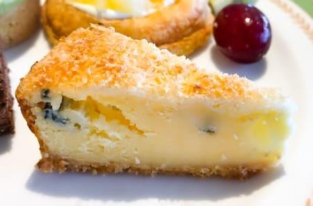 夜間飛行2019年7月 スイーツブッフェ ベイクドチーズのレビューブログ