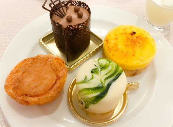 ショコラ、パッションのシブースト、シューフロマージュ、抹茶ホワイトチョコ