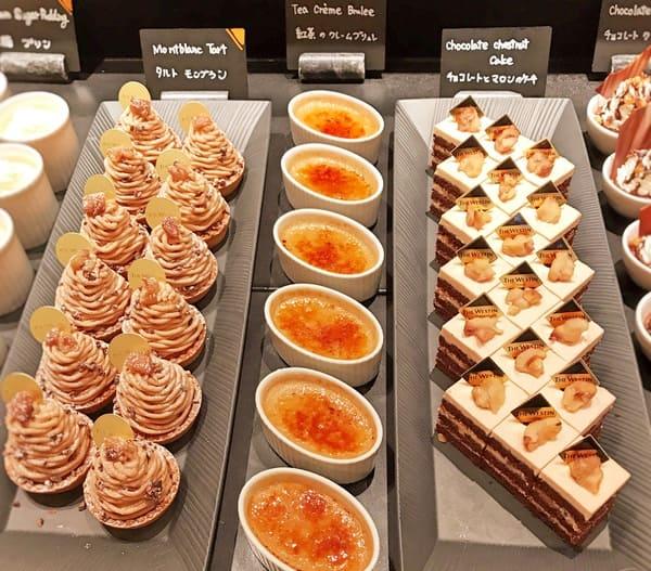 チョコレートとマロンのケーキ、紅茶のクレームブリュレ、タルトモンブラン*