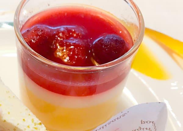 マンゴープリンと苺のマリネ