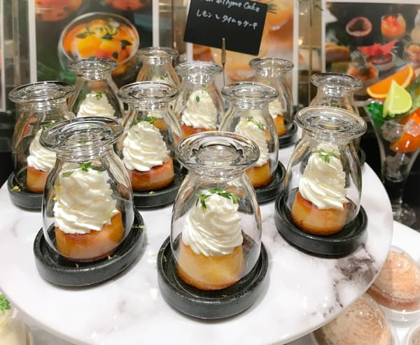 ウェスティンホテル東京ザ・テラス2020年8月デザートブッフェ レモンとタイムのケーキ