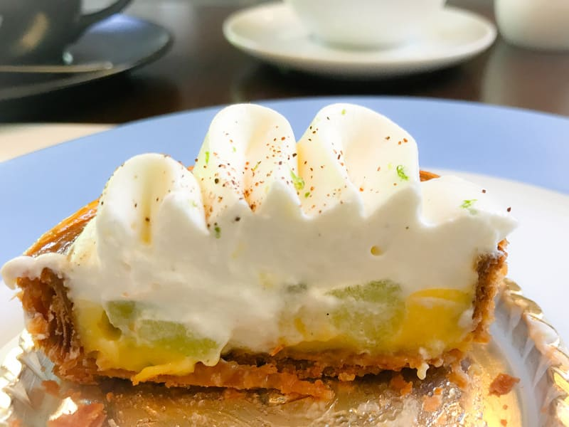 カフェミクニズのケーキ「サントノーレ」の断面写真のブログ