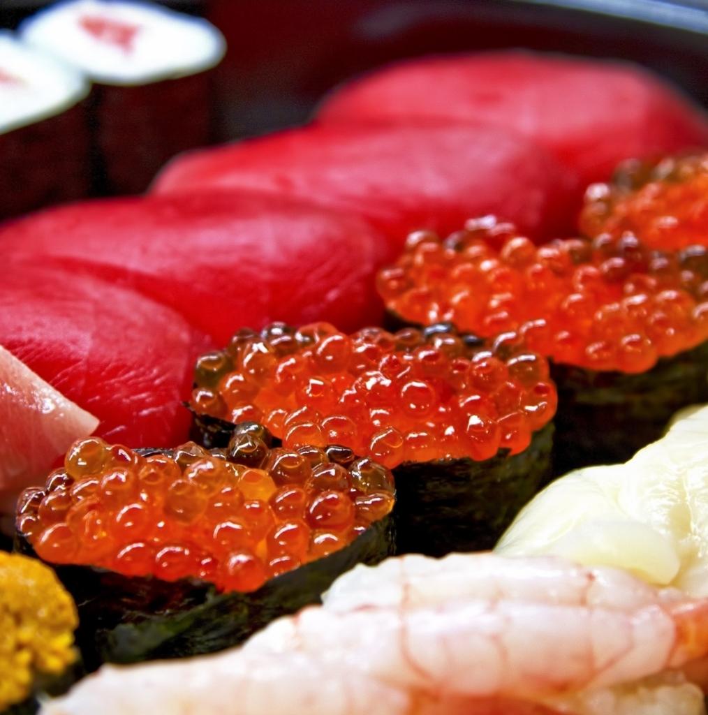 寿司のシャリだk残す女子