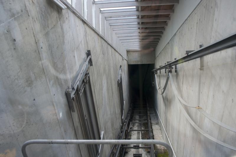 東山動植物園の斜めに移動するエレベーター