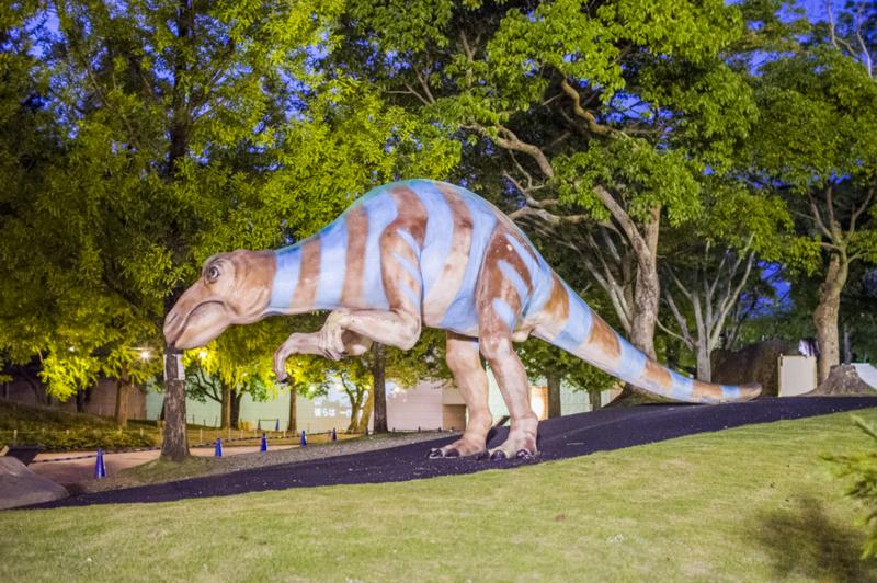豊橋総合動植物公園の恐竜