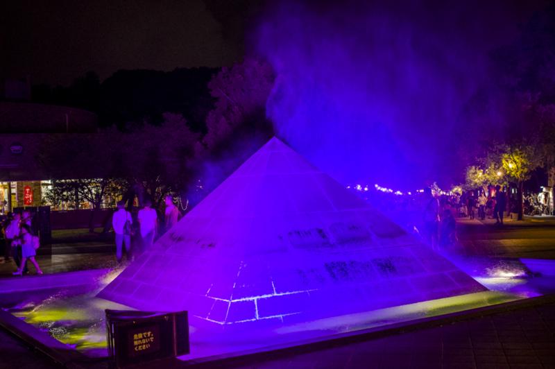 のんほいぱーくのピラミッドイルミネーション