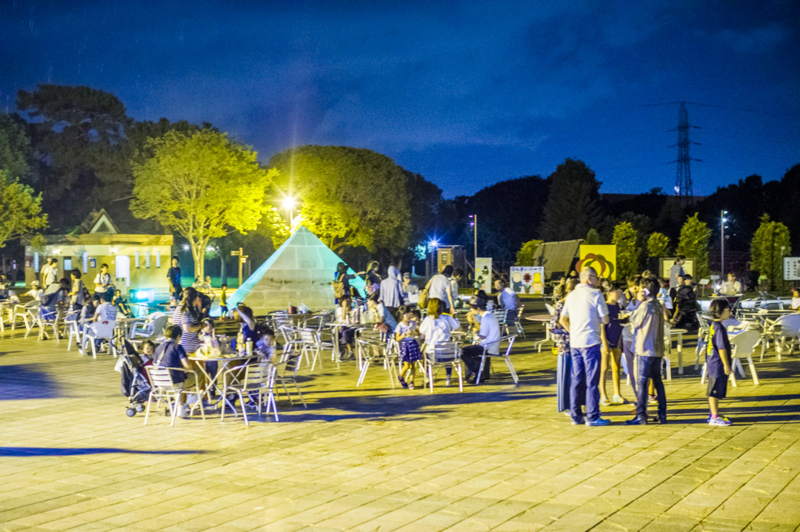 ピラミッド 夜間営業 公園