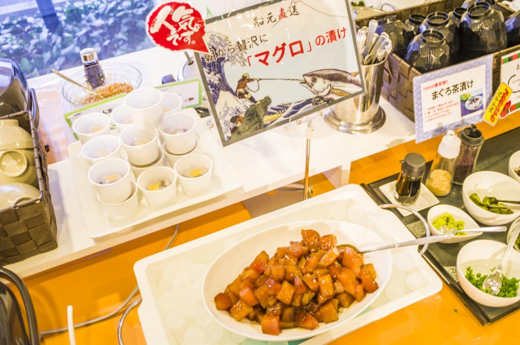静岡県焼津市のビジネスホテル朝食バイキングでマグロ食べ放題