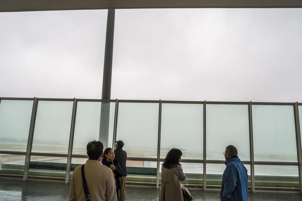 富士山静岡空港の展望デッキ大雨バージョン